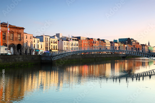 pedestrian bridge in Dublin - 30385485