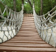 Adventure wooden rope jungle suspension bridge