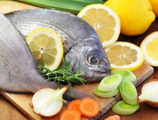 Zitrone, Gemüse, Fisch