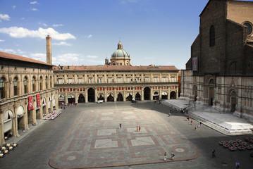 Bologna, Piazza Maggiore, Palzzo Archiginnasio