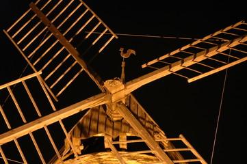 détail des ailes et girouette du moulin de Collioure