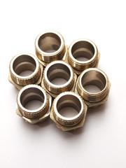 Conjunto de piezas metálicas