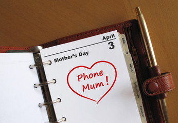 """Mother's Day calendar with reminder """"Phone Mum"""""""