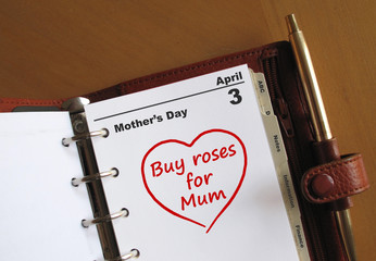 """Mother's Day calenadr with reminder """"buy roses for Mum"""""""