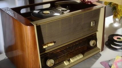 radio e giradischi anni 60