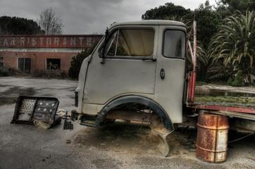 Camion Abbandonato