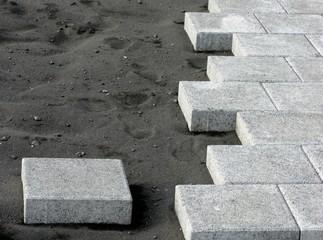 Steinboden verlegen - Fliesenleger