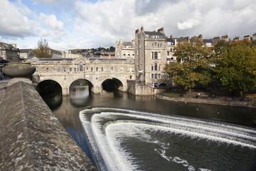 Pulteney Bridge crossing the river avon in Bath,Somerset,England