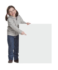 bambina con cartello