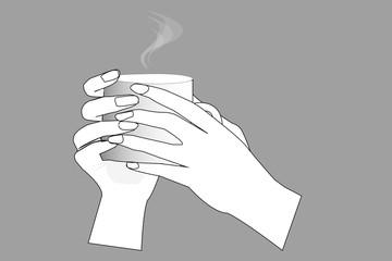 Две руки держат чашку с горячим напитком