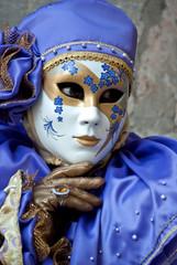 Carnevale di Venezia, maschera in viola