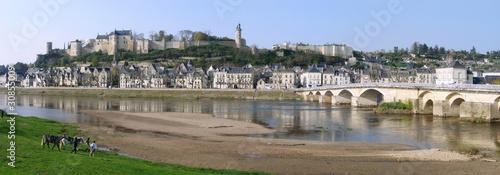 Leinwandbild Motiv Vue d'ensemble de Chinon et son Château