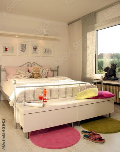 Schlafzimmer modern Bett von stefanfister, lizenzfreies ...