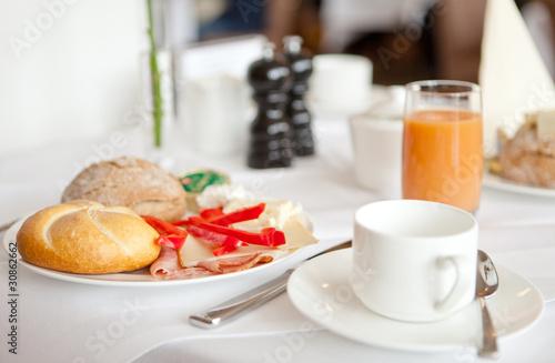 Superior Gedeckter Tisch Frühstückstisch