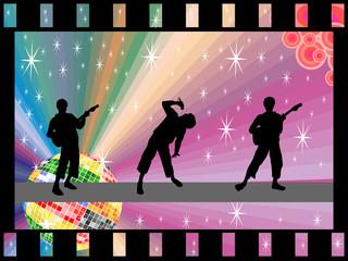 Boygroup-Rockband beim Auftritt im Filmstreifen