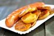 Grillwurst mit Bratkartoffeln