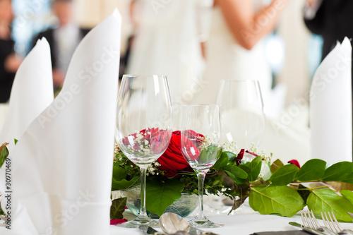 Leinwanddruck Bild Hochzeitstisch auf einer Hochzeitsfeier