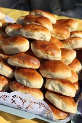 Свежие,румяные пирожки на подносе