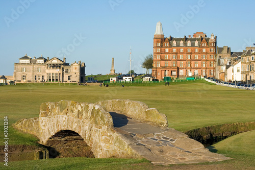 Papiers peints Golf The famous Swilcan bridge on St Andrews Old Course