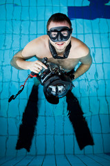 Underwater camera operator