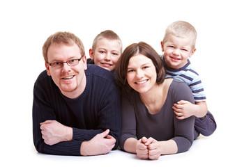 Vater und Mutter und zwei Kinder