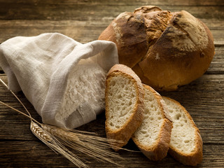 bread ear and flour-pane spighe e farina