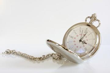 Taschenuhr Uhr Zeit Uhrzeit ticken tickt läuft 38