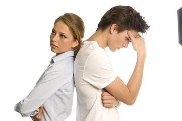 Junges Paar verkracht