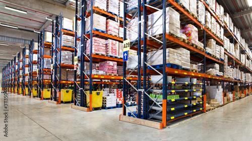 Staande foto Industrial geb. Entrepôt logistique