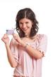 Frau zeigt Führerschein
