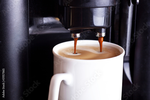 Kaffeemaschine in Betrieb 083 f