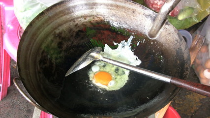 Cooking Eggs In A Wok