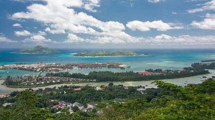 "Victoria, capitale des Seychelles, marina ""eden island"""