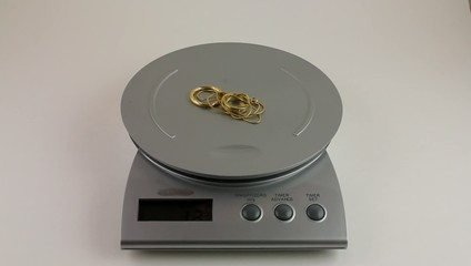 weighing scrap jewellery