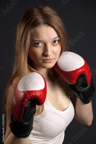 Фото девушек в боксерских перчатках