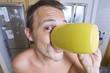 Hombre Bebiendo Cafe