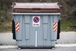 Contenedor de basuras descarga automatica