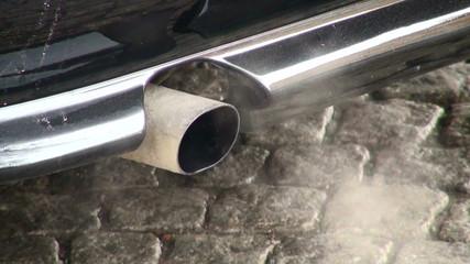 Exhaust pipe machine