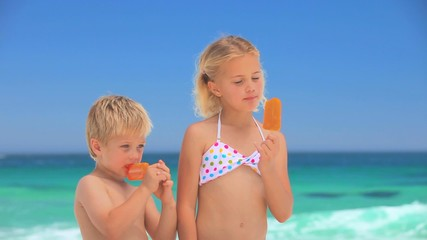 Children eating water ices