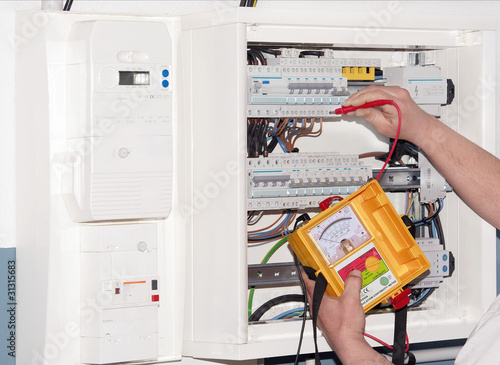 mesure sur tableau électrique - 31315683