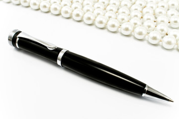 Pen with pearls