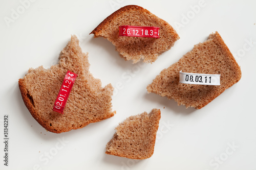 Four pieces of bread slice and seals