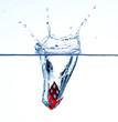 Würfel ins Wasser fallen2
