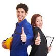 Arbeiter und Geschäftsfrau halten Daumen hoch