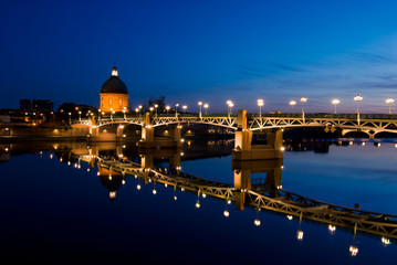 The night piece of Garonne river