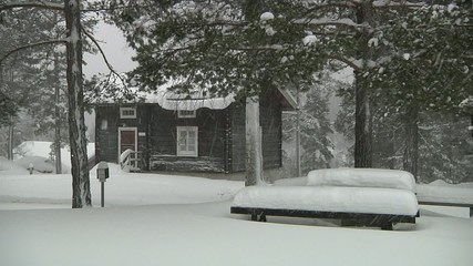 Old_house_wideshot, snowstorm