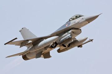 F-16 - Take Off