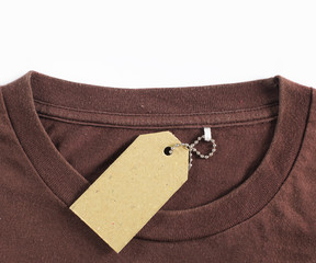 price tag hang over tshirt
