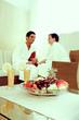Paar beim Entspannen nach Wellnessbehandlung