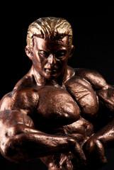 statuette body-builder